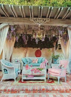 Dreamy Darling Enclave ! From Vintage Living