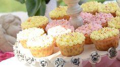 Cupcakes βανίλιας με γλάσο βουτυρόκρεμας: μίνι πειρασμός για πάρτυ και γενέθλια!