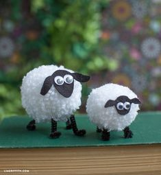 Yarn Pom Pom Sheep