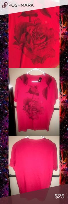 Express rose tee Pure cotton. Made in Peru. The last two photos were taken with flash so please consider the first photo for color reference. NO TRADES 🙅🏻 ALL REASONABLE OFFERS ARE ACCEPTED 😊👍🏽 NO LOWBALLERS!!! 😒✌🏽️✌🏽 LET'S BUNDLE!!!! 🎋🎉🎁🎊🎈 Express Shirts Tees - Short Sleeve