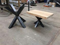 Voor deze klant mochten we een set met eettafel en salontafel maken met een…