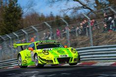 Allez les bleus: Drei Franzosen siegen im Manthey-Porsche beim ersten VLN-Lauf 2017
