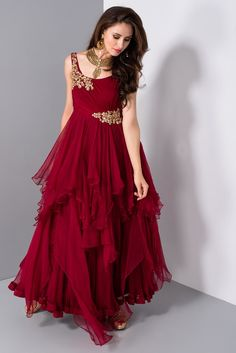 Buy Online gowns for women in India. Aasvaa has the Best Collection of Beautiful Gowns, party wear gowns, long gowns, wedding gowns & drape gowns for various occasion at the best price. Reception Gown For Bride, Western Gown, Gown Pattern, Indian Gowns, Indian Wear, Girls Party Dress, Party Dresses, Gowns Online, Designer Gowns