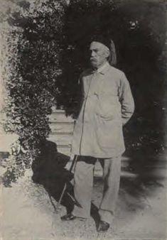 Burton en su jardin de Trieste, hacia 1890