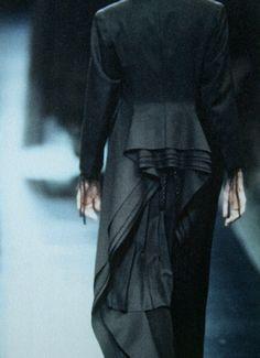 #fashion #women #inspiration #trend #clothing #style #construction #shape