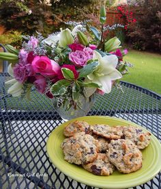 Gourmet Girl Cooks: Chocolate Chip Cookies w/ Toasted Walnuts & Ricotta