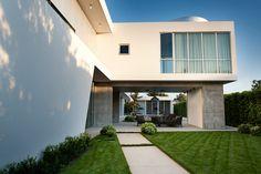 Частная резиденция с гостевым домом в Лос Анджелесе