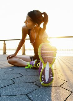 The Best Workouts to Do at Home WIth and Without Weights | StyleCaster