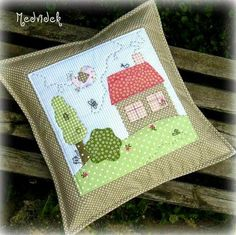Embroidery pillow patterns how to make 39 Ideas Applique Cushions, Patchwork Cushion, Sewing Pillows, Quilted Pillow, Applique Quilts, Sewing Appliques, Applique Patterns, Quilt Patterns, Pillow Patterns