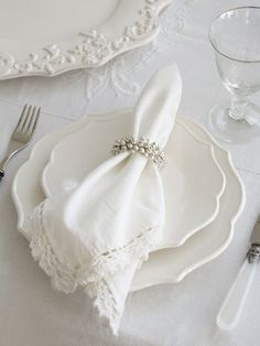 Ideas Wedding Table Settings Blue And White Silver Wedding Napkin Folding, Wedding Napkins, Room Paint Colors, Living Room Colors, Dish Display, Sweet Magnolia, Dinning Room Tables, Dining, Wedding Table Settings