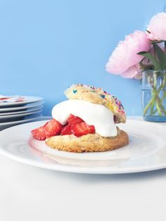 Easy Funfetti Strawberry Shortcakes! / Hey, EEP!