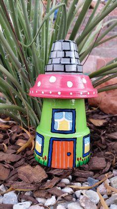 Garden Gnome House Clay Pot - Yard Art - Garden Decoration on Home Decor Ideas 5778 Flower Pot Art, Clay Flower Pots, Flower Pot Crafts, Yard Art Crafts, Garden Crafts, Kids Crafts, Arts And Crafts, Garden Ideas, Clay Pot Projects