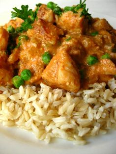 Chicken with Curried Tomato Almond Sauce Gourmet Chicken, Yummy Chicken Recipes, Yum Yum Chicken, Turkey Recipes, Chicken Divine, Coconut Milk Chicken, Ways To Cook Chicken, Indian Chicken, Indian Food Recipes
