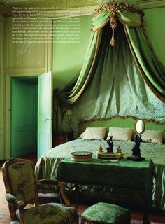 antiques Country The world of interiors Nov 2011 - Emerald Bedroom- Fren. antiques Country The world of interiors Nov 2011 – Emerald Bedroom- French Provence, Fren Green Rooms, Bedroom Green, Bedroom Decor, Bedroom Ideas, Men Bedroom, Bedroom Country, Master Bedrooms, Beautiful Bedrooms, Beautiful Interiors