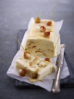 Unser beliebtes Rezept für Vanille-Karamell-Parfait mit Meersalz und Macadamia und mehr als 55.000 weitere kostenlose Rezepte auf LECKER.de.