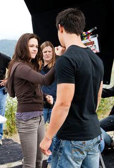 Jake and Bella ~ punching scene