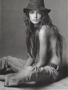 hat & topless