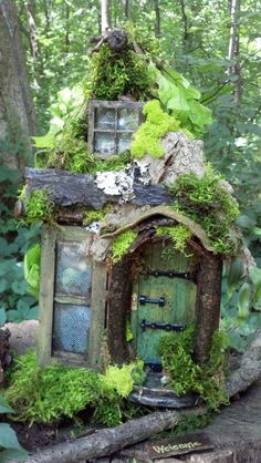 THIS HOUSE IS SO CUTE!! I WANT ONE!! House has little tiny key for front door under welcome bark mat. I have sold this one but have material exactly the the same- same screen window same.
