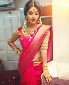 Serial actress Sonarika Bhadoria bridal look in saree. She looks amazing in silk saree. Neck jewelry, flowers in head and bangles finished her beautiful lo Mode Bollywood, Indian Bollywood, Bollywood Fashion, Bollywood Actress, Indian Sarees, Kerala Saree, Silk Sarees, Tamil Actress, Beautiful Saree