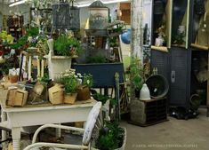 Great ideas for antique booth space    By Raised in Cotton blog - http://raisedincotton.typepad.com/raised_in_cotton/2010/04/ideas-for-arranging-an-antique-booth-space.html