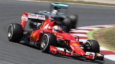 Sebastian Vettel (GER) Ferrari SF15-T leads Lewis Hamilton (GBR) Mercedes AMG F1 W06 at Formula One World Championship, Rd5, Spanish Grand Prix Race, Barcelona, Spain, Sunday 10 May 2015. © Sutton Motorsport Images