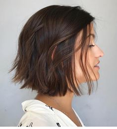 New Bob Haircuts 2019 & Bob Hairstyles 25 Bob Hair Trends for Women - Hairstyles Trends Short Brown Hair, Short Hair Cuts, Short Pixie, Short Straight Hair, Black Hair, Short Bob Haircuts, Medium Haircuts For Women, Choppy Bob Hairstyles For Fine Hair, Winter Hairstyles
