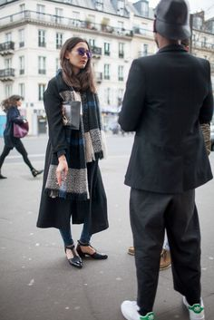 【スナップ】パリ・ファッション・ウイーク 2015-16年秋冬 | SNAP | WWD JAPAN.COM