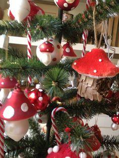 mushroom tree...ME's Christmas tree