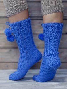 Palmikkosukat tupsuilla Novita 7 Veljestä | Novita knits