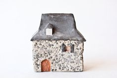 ~ tiny french carriage house <3