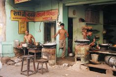 https://flic.kr/p/4wFaji | The market in Pushkar, Rajasthan, India