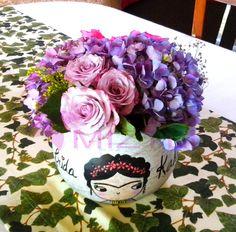 #BuenViernes a todos, hoy es #DiaMundialDeLaSonrisa, que mejor manera de provocarle una a tu pareja con estaa flores!