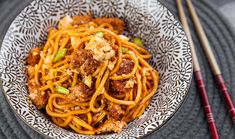 Ma Po Tofu and Noodles Gourmet Cooking, Asian Cooking, Sichuan Pepper, Pork Mince, Chilli Paste, Pasta Noodles, Noodle Recipes, Wok, Stuffed Peppers