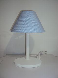 Abajur com base em madeira e cupula de plástico forrada em tecido xadrez Azul Claro. Fazemos Outras Cores. R$ 60,00