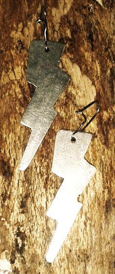 Metal thunder earrings