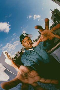 Rap Wallpaper, Tupac Wallpaper, Rapper Wallpaper Iphone, Arte Do Hip Hop, Hip Hop Art, Ice Cube Rapper, Look Hip Hop, Urbane Fotografie, Hip Hop Classics