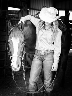 Jessica Holmberg – owner of  Empire Performance Horses and Reality TV Star from A&E's Rodeo Girls – is a professional barrel racer located in Pilot Point, Texas. Photo by Kirstie Marie Photography www.kirstiemarie.com