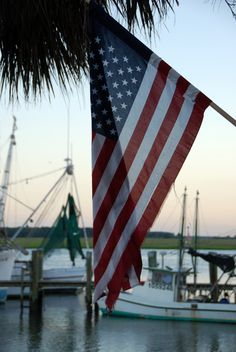 The Beaufort Inn Beaufort Weddings & Events Flag, Beaufort, SC | Home is Where the Boat Is