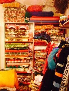 Heel veel mooie vintage stoffen, dekens, kleden en spreien bij Mr. Orange in Den Bosch. Check: http://misterorange.nl/ #thrift #vintage