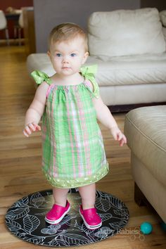 A Refreshed Pillowcase Dress Tutorial - I'm making TONS of these for Ryleigh! Love them!!