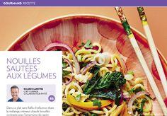 Nouilles sautées aux légumes - La Presse+ Ramen, Udon, Asian Recipes, Ethnic Recipes, Lorraine, Cook, Asian Food Recipes