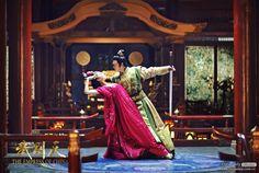 The Empress of China 《少女武则天》 - Fan Bingbing, Zhang Fengyi, Zhang Ting - Page 2 Wu Zetian, The Empress Of China, Chinese Traditional Costume, Fan Bingbing, Old Fan, 14 Year Old, Drama Movies, Fashion History, Asian