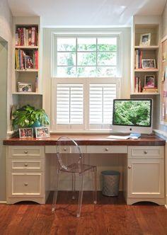 Built-in Desk in a small alcove