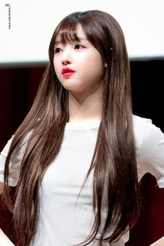 Kpop Girl Groups, Korean Girl Groups, Kpop Girls, Korean Women, South Korean Girls, Oh My Girl Yooa, My Sunshine, Asian Beauty, Idol