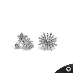 Lineargent elegance in silver Stud Earrings, Engagement Rings, Elegant, Silver, Jewelry, Silver Jewellery, Life, Enagement Rings, Classy