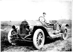 Photos of Early Automobiles from 1895-1920