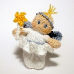 Baby Christmas Fairy Bitsy Doll Strickmuster von Claire Fairall - knitting and sewing - Amigurumi Hints Christmas Knitting Patterns, Baby Knitting Patterns, Christmas Fairy, Christmas Things, Christmas Projects, Christmas Trees, Christmas Ornament, Christmas Decorations, Arm Knitting