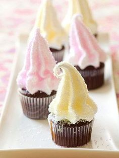 Marshmallow cupcakes & marshmallow frosting   http://gourmet-tastes.blogspot.com