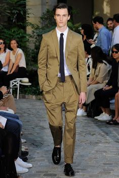 Officine Generale Spring 2016 Menswear Fashion Show