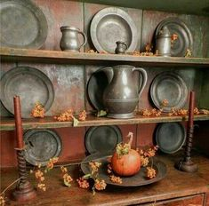 Our site is full of primitive and colonial inspired homes, gardens, decorating and craft ideas, trash to treasure makeovers, crafting tutorials and more! Primitive Kitchen, Primitive Antiques, Primitive Decor, Primitive Mantels, Country Kitchen, Country Living, Primitive Autumn, Country Primitive, Primitive Christmas